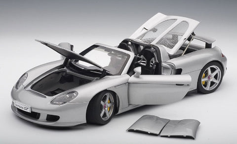 1/18 AUTOART 78046 PORSCHE CARRERA GT - SILVER WITH BLACK INTERIOR