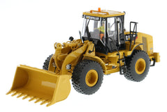 Diecast Masters 85196 1/50 Caterpillar CAT 950H Wheel Loader