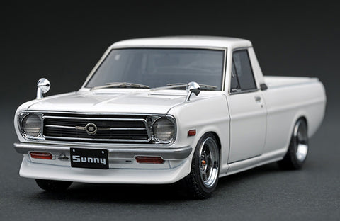 1/43 Ignition Model IG1117 Nissan Sunny Truck B121 Long White