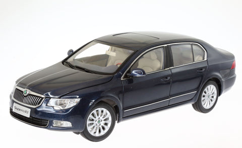 1/18 VOLKSWAGEN CHINA Skoda Superb Blue