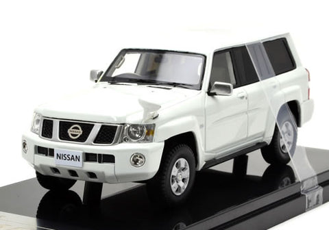 1/43 WIT'S - W348 Nissan Safari grand road limited (white pearl)