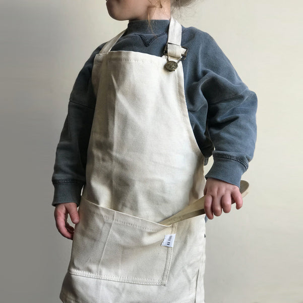 WIN Two Petit Aprons