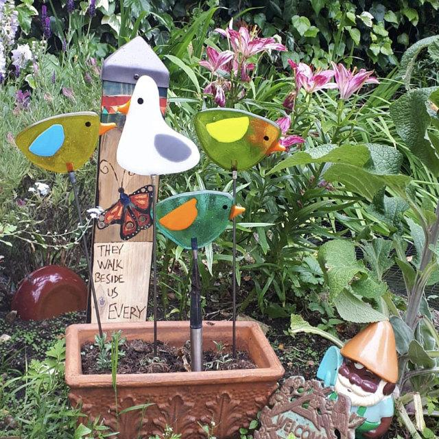 Fused Glass bird garden ornament / decoration - Little froging