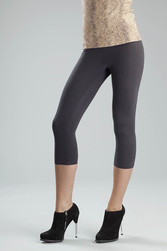 Svelte basic capris grey