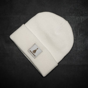 White-leather-label beanie (colors available)