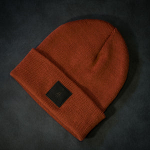 Black-leather-label beanie (colors available)
