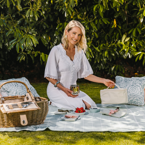 Kate Fairlie with the Summer Willow Picnicscape