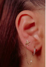Load image into Gallery viewer, The XO chain drop Earring