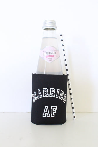 Married AF Drink Coozie l Wedding Accessories l Drinkware