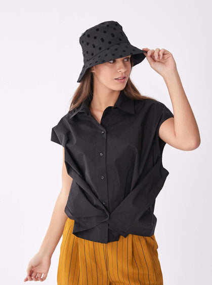 ROMAN USA-Sleeveless Cotton V-Layer Blouse-- [BLACK]