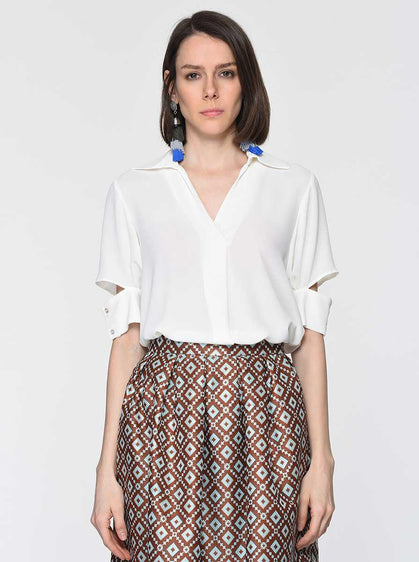 ROMAN USA-Slit-Cuff Wide Collar Blouse-- [CREAM]