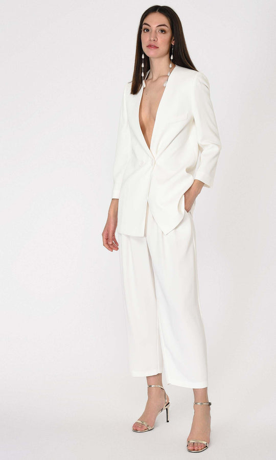 FRONT PLEATED WHITE PANTS