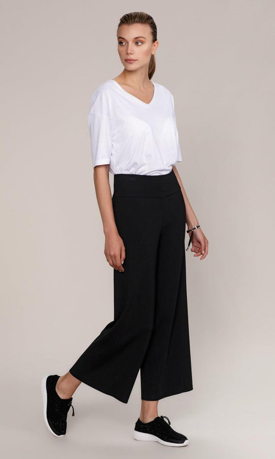 BLACK KNIT WIDE LEGGED PANTS