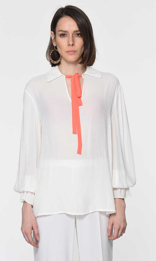 NECKLINE DETAILED BLOUSE