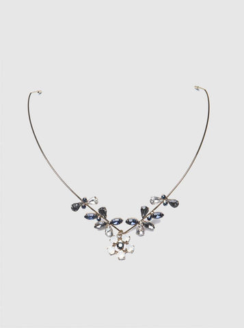 FLOWER DESIGN NECKLACE
