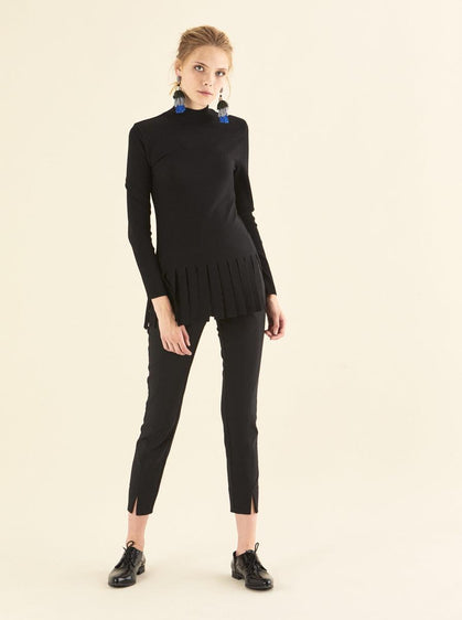 FABRIC DETAILED BLACK KNITWEAR TOP
