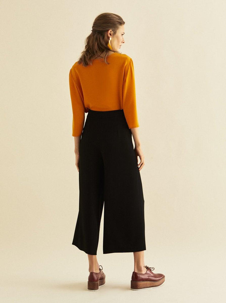 CROPPED WIDE LEGGED PANTS