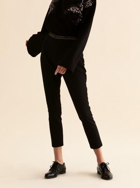 Essential Cropped Black Pant