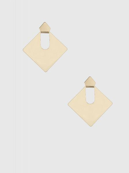 GOLD PLATED STATEMENT EARRING