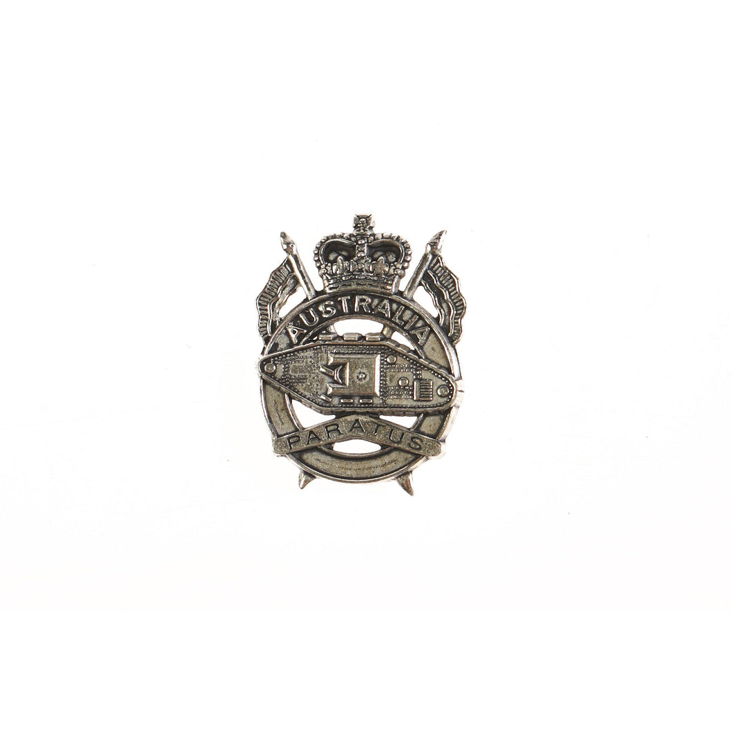 1st Armoured Regiment Pewter Lapel Pin - Paratus-Buckingham Pewter