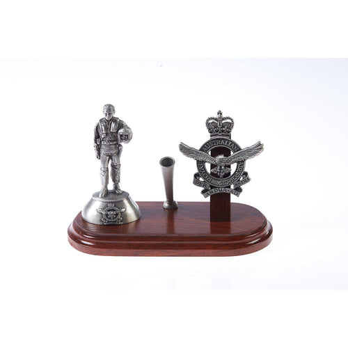 Royal Australian Air Force Desk Set with Pen Holder & B107 1980'S Pilot Figurine (RAAF) - Buckingham Pewter