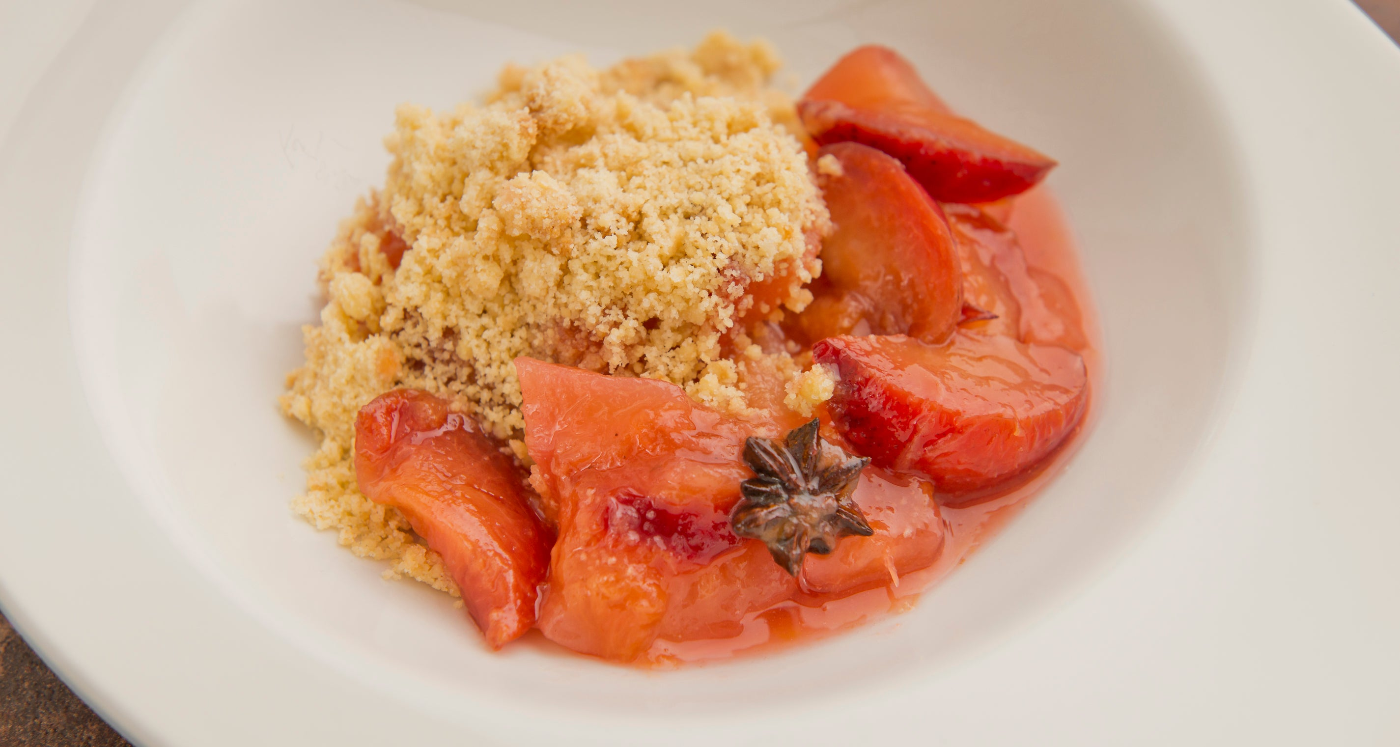 Spiced Autumn fruit crumble with crème Anglaise (VG) (two portions)