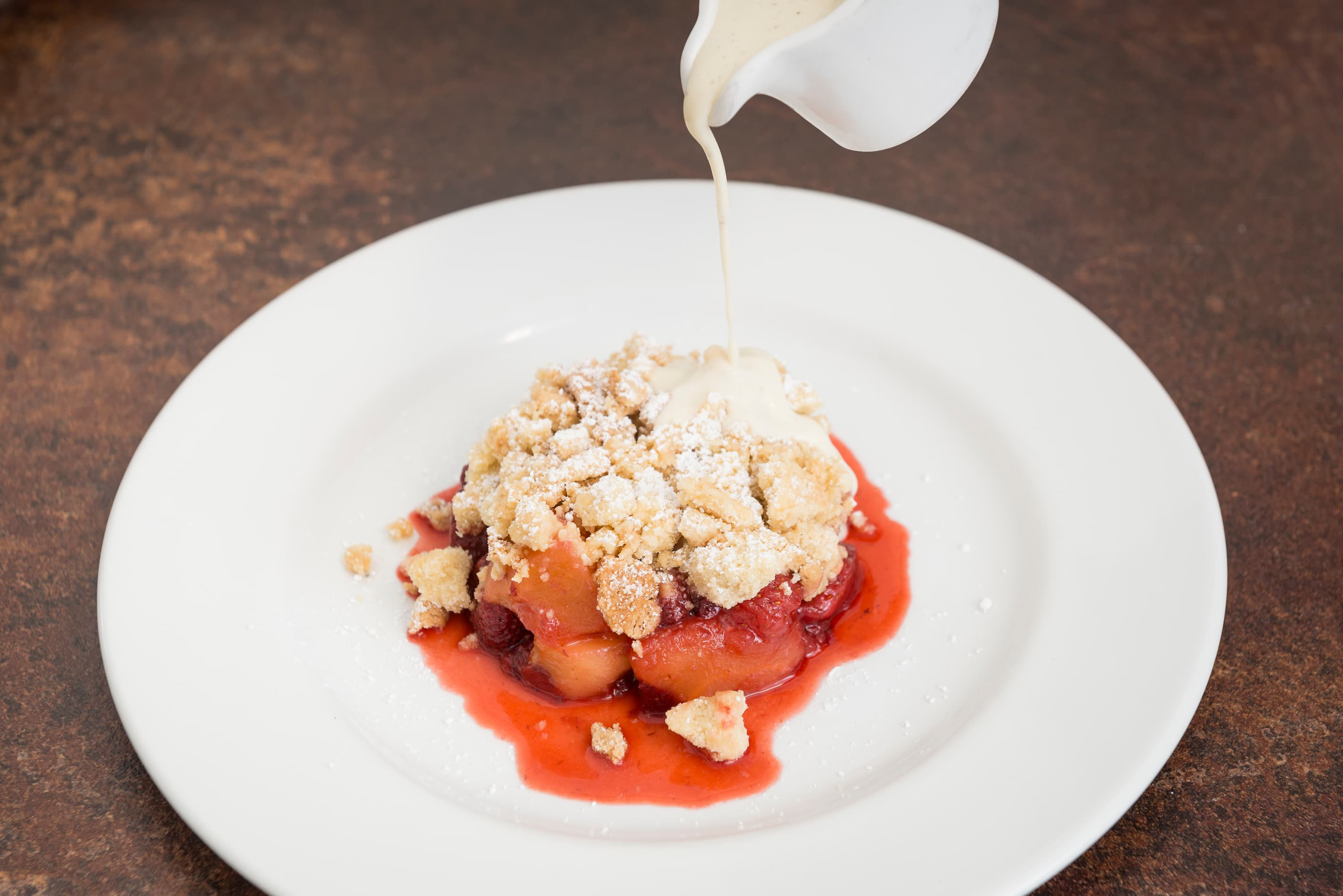 Summer fruit crumble with crème anglaise to share For 2 people (V)