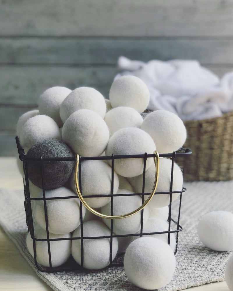Bag of 6 white dryer balls