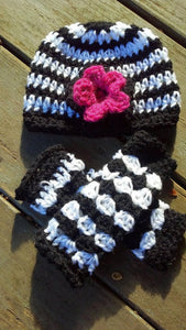 Black and white flower shell legwarmer combo