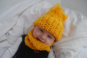 POM Crochet Hat and Cowl Set