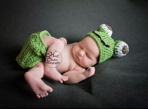 Froggie Crochet Hat and Diaper Cover Set (with one button closure) - Maddies Mad Hatters