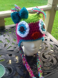 Green Pink owl with bow