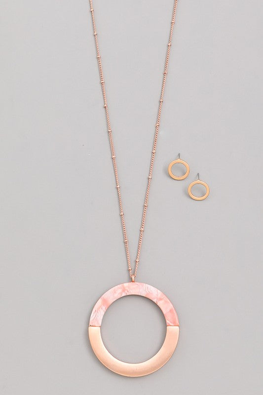 Half Acetate Half Metal Circle Pendant Necklace - Beau&Arrow