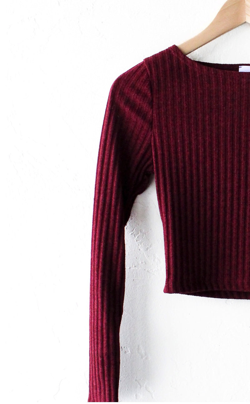 Long Sleeved Ribbed Crop Top - Burgundy