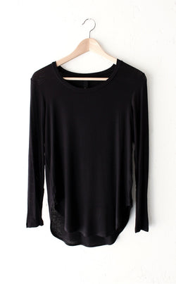 Relaxed Ribbed Knit Long Sleeve Top