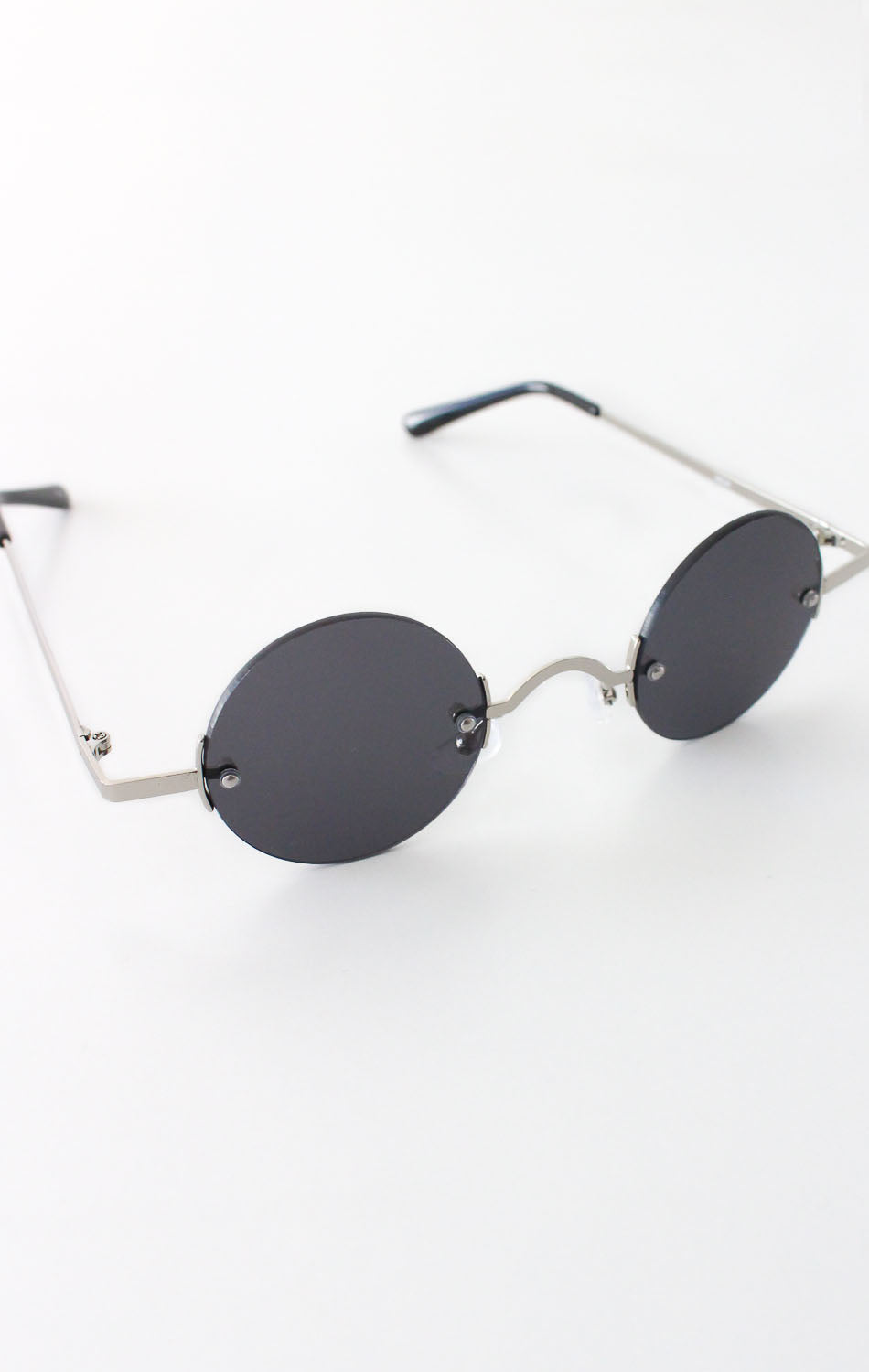 NYCT Clothing Vintage Inspired Round Sunglasses