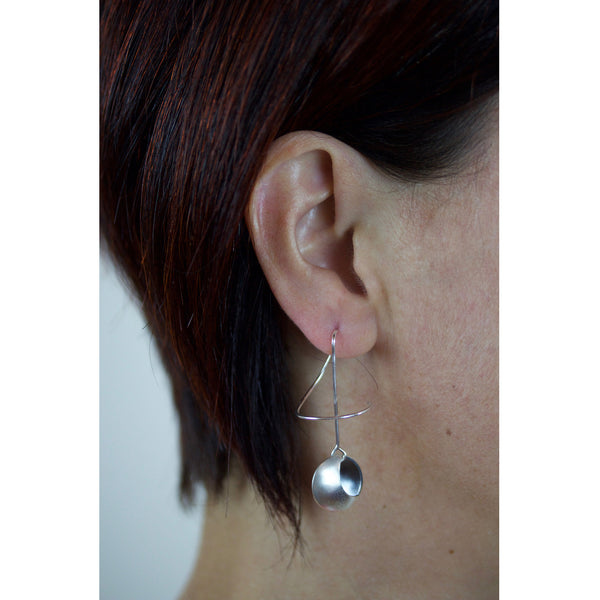 2 moons earrings keynote