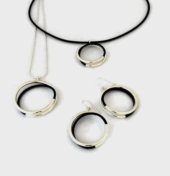 spiral tube circles sterling silver & black rubber pendants with sterling snake chain