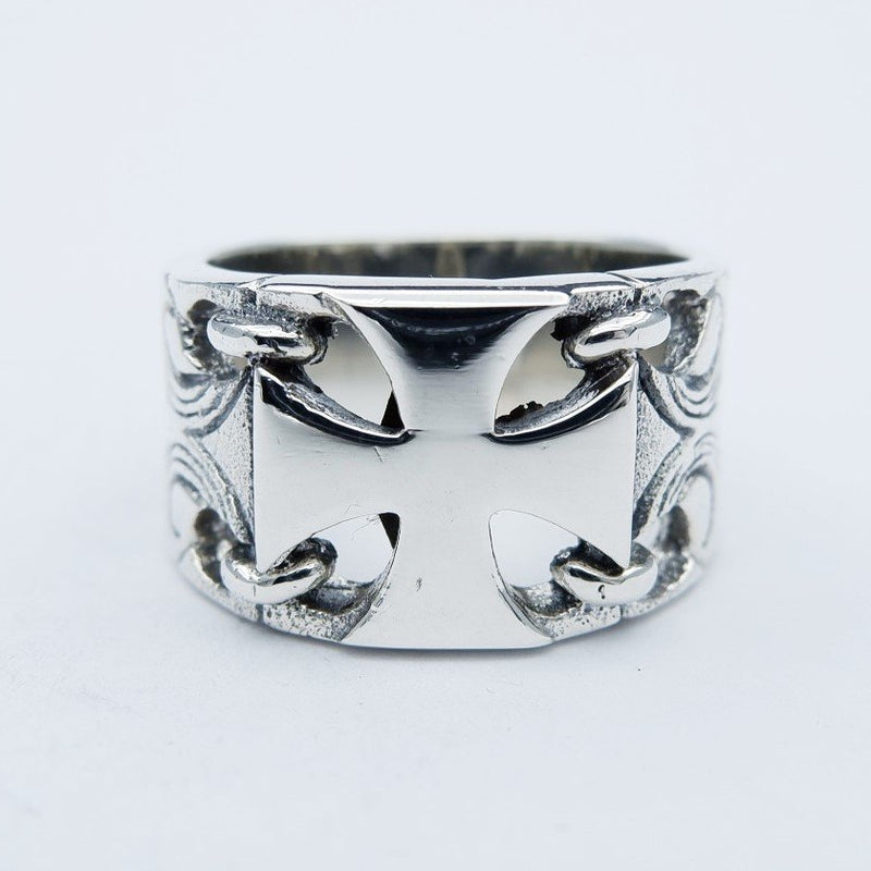 MALTESE CARVED RING
