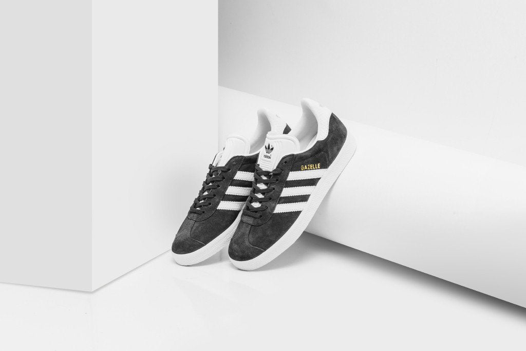 31a8e864e466 Adidas Womens Gazelle Utlity Black - Feature - LV-6540.jpg v 1535447868