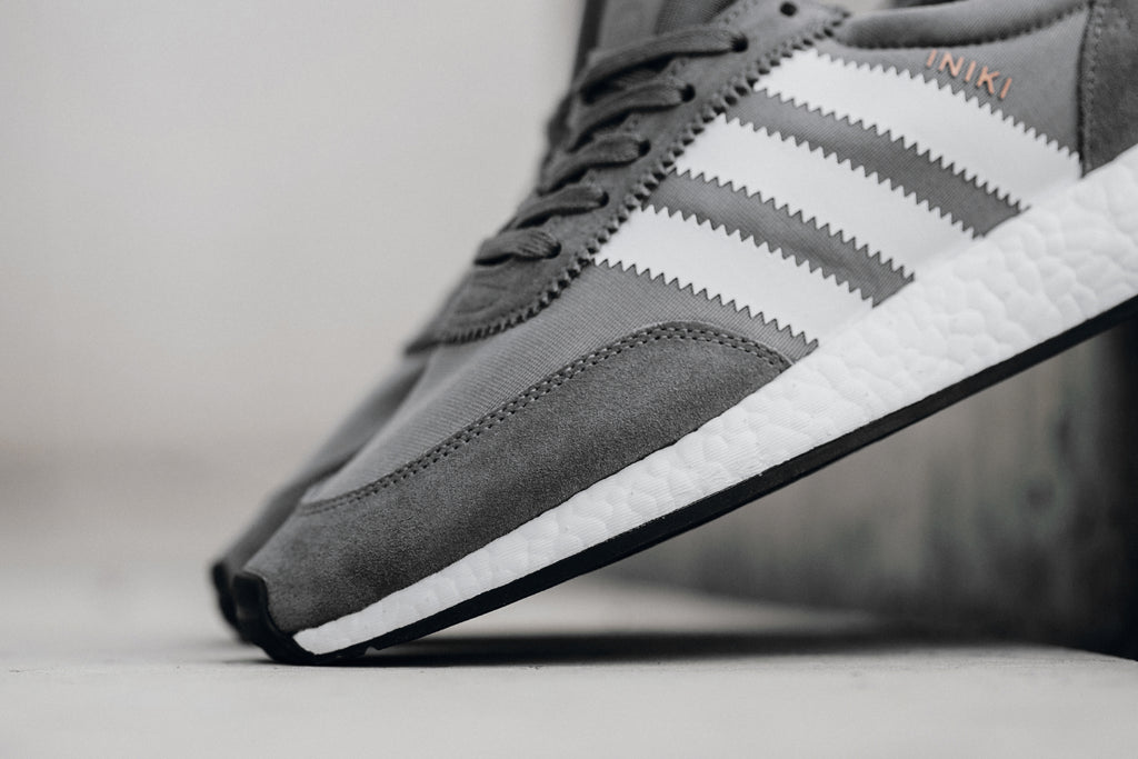 Adidas Men Iniki Runner (gray vista grey footwear white core black)