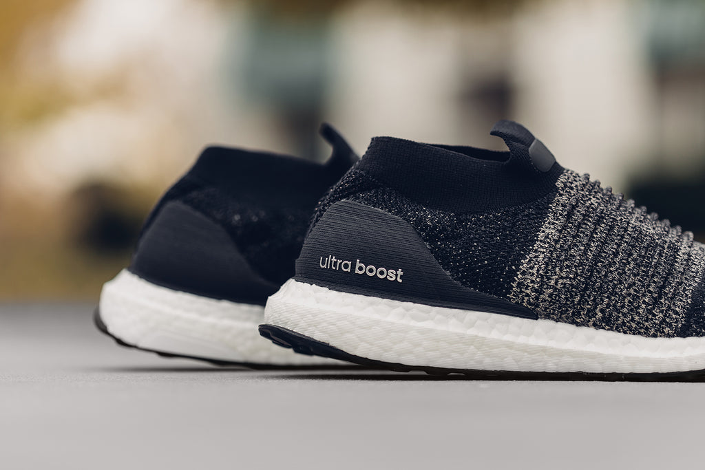 brand new ffbbd ebe48 Adidas Originals Ultraboost Laceless in Legend Ink/Raw Gold ...