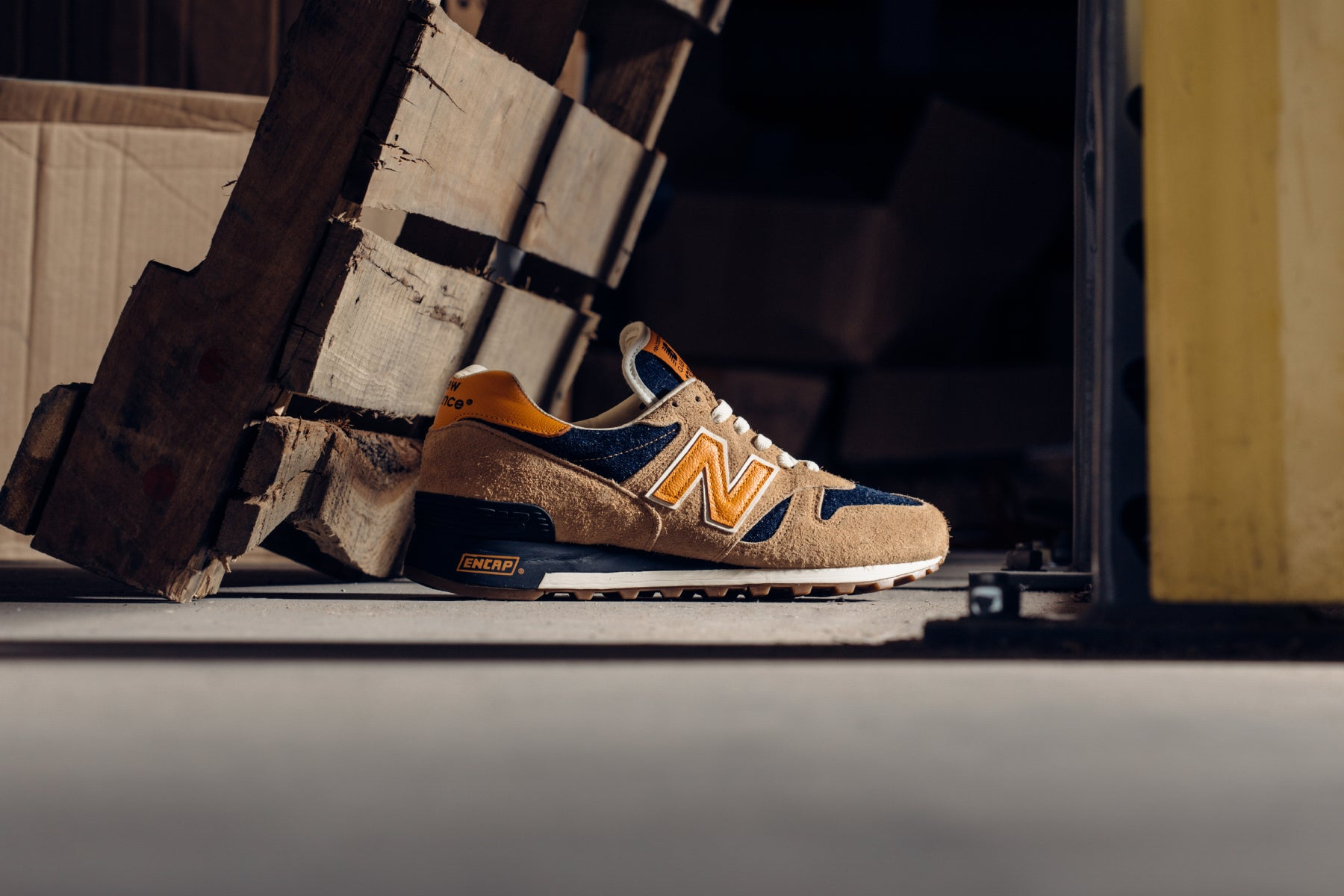 algo carbón Dentro  The Limited-Edition New Balance x Levi's 1300 Releases 4/24 – Feature