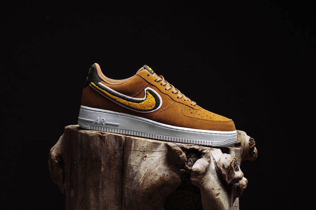 Details about Nike Air Force 1 07 Lv8 Blkmetallic bronzewhite