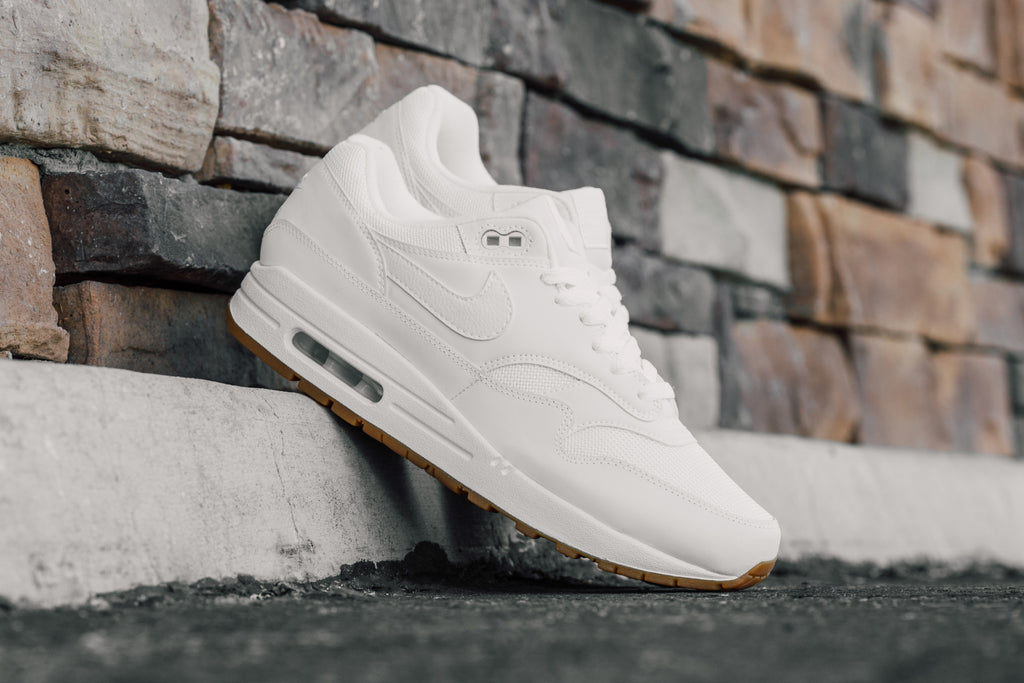 f3a9625f590d Nike expands their summer footwear lineup with another clean rendition to  the popular Air Max 1 silhouette ( 110). This time around