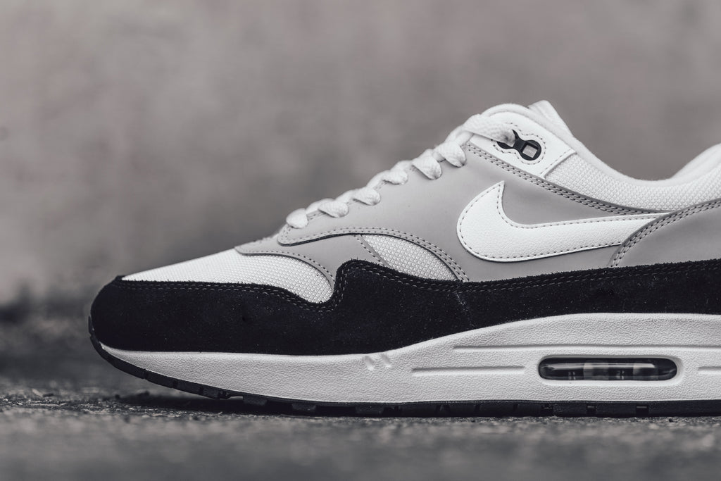 buy popular d2284 87c25 Wolf Grey Nike Air Max 1 – Feature