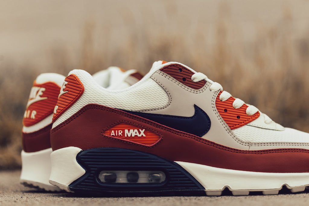 new style c57f9 b0b91 Orange Nike Air Max 90 Essential – Feature
