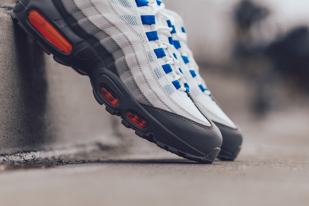 huge discount 10eb9 adff4 Nike Air Max 95 Essential