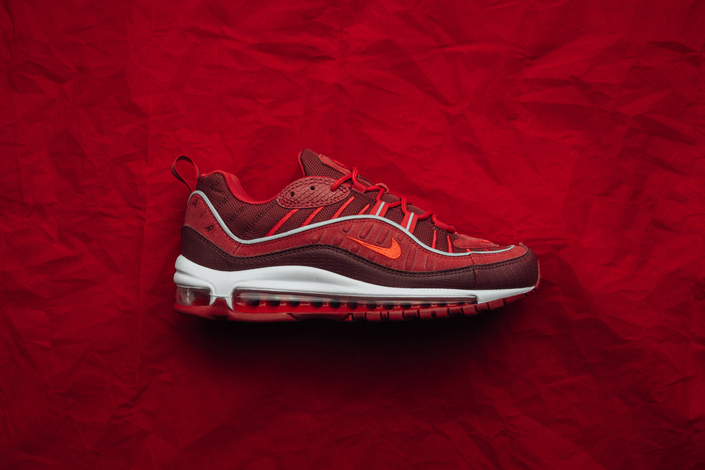 the latest 16d5f 21056 Nike Air Max 98 SE