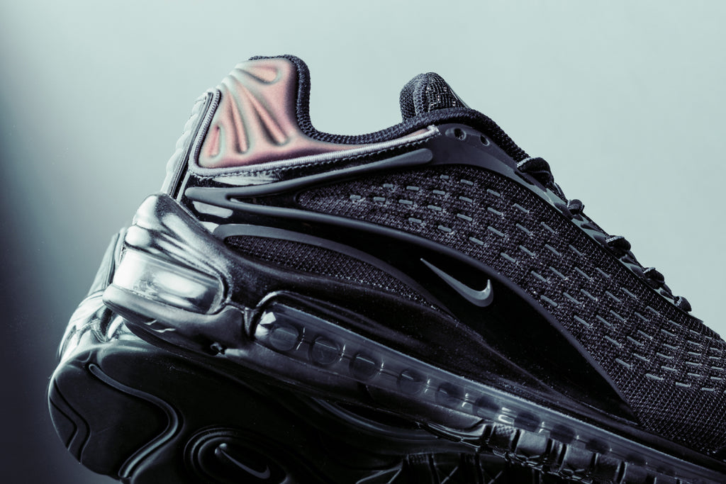 2915d8d46fc165 Nike Air Max Deluxe